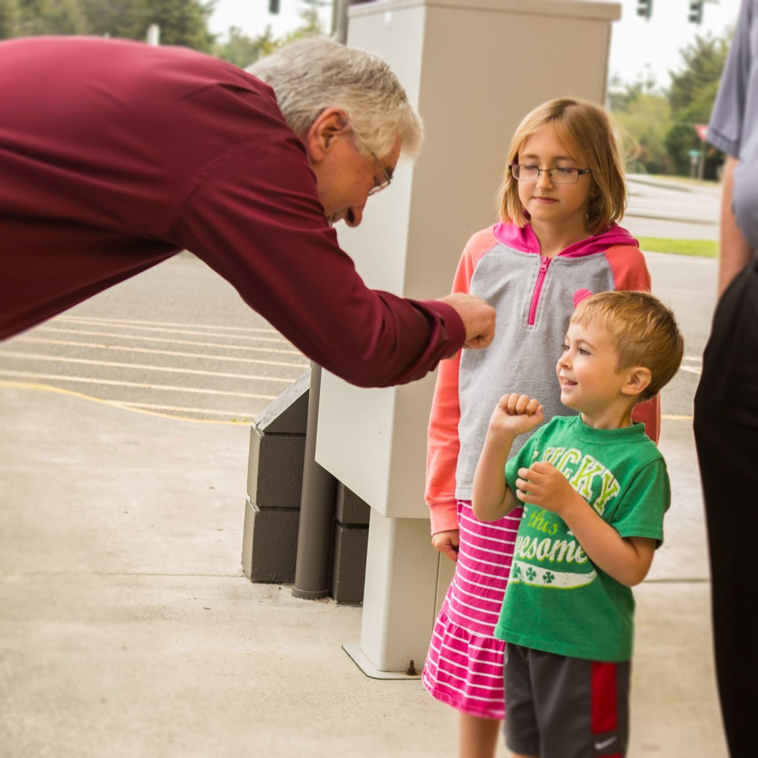 Dr. Holmes makes new friends at the health center open house, Sept 2014